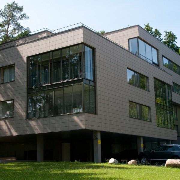 Stora moderna fönster