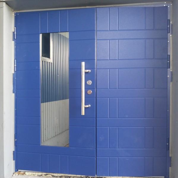 Blå ytterdörr