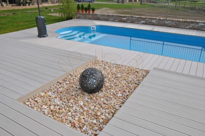 Underhållsfri snygg altan pool