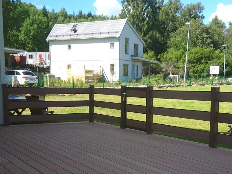 Altan med staket i Upplands Väsby